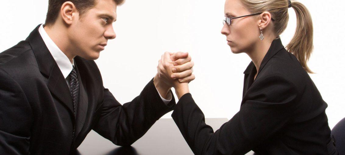 Casais que trabalham juntos